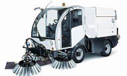 Очистка тротуаров вакуумно-подметательной машиной:  48 маш./час